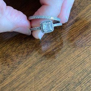 Pandora ring set size 7